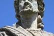 Profeta Jeremias: manchas nas vestes e perfurações na cabeça, corrosões por poluição de minério