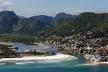 Vista aérea da Barra de Guaratiba, Rio de Janeiro<br />Foto Diego Baravelli  [Wikimedia Commons]