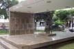 """Monumento a José Inácio Peixoto, escultura """"A Família"""" de Bruno Giorgi, Cataguases, 1956<br />Foto Marcia Poppe, 2003"""