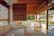 Casa Bandeira de Mello, Itu SP, 2003. Arquiteto Mauro Munhoz. Projeto construído com madeira certificada.<br />Foto Nelson kon