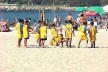 Escolinha na Praia, Aterro do Flamengo, Rio de Janeiro: ruído humano<br />Foto P A Rheingantz