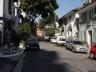 Rua Japurá, implantada sobre o ribeirão<br />Foto Vladimir Bartalini