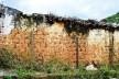 Muro de adobe retelhado e sem reboco, Diamantina MG, 2014<br />Foto Elio Moroni Filho