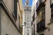 La Giralda, construção almohade concluída em 1198 e reformada pelos católicos em 1568, sob projeto do arquiteto Hernán Ruiz o jovem, para receber a torre sineira da Catedral<br />Foto José Lira