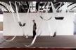 Sem Titulo, 2003. Adesivo vinilico e lençol de chumbo. III Mostra dos Selecionados, Centro Cultural São Paulo. Foto Everton Ballardin [http://paginas.terra.com.br/arte/anaholck]