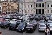 Praça Thomé de Souza: a presença ostensiva de carros deforma qualquer apreensão do espaço público e seu uso como tal<br />Foto Daniel J. Mellado Paz