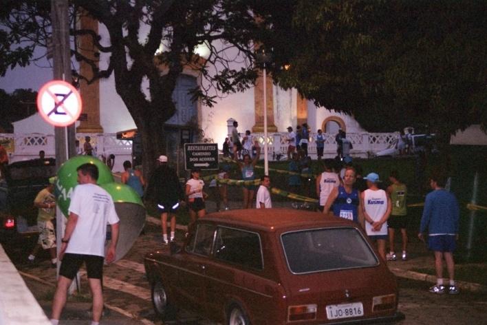Preparativos para a o revezamento na Igreja de Santo Antonio, no Caminho dos Açores