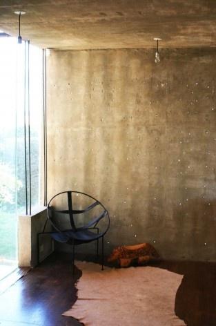 Casa en el aire. Estar. Sergio Fanego, Larissa Rojas, Miguel Duarte. Luque, Paraguay. 2008-2010.