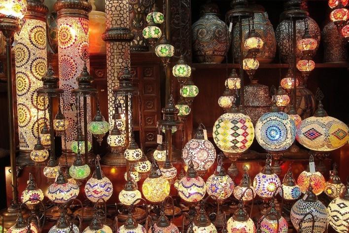 Barraca de artefatos locais nos arredores do Burj Al Arab<br />Foto Luiz Gustavo Sobral Fernandes
