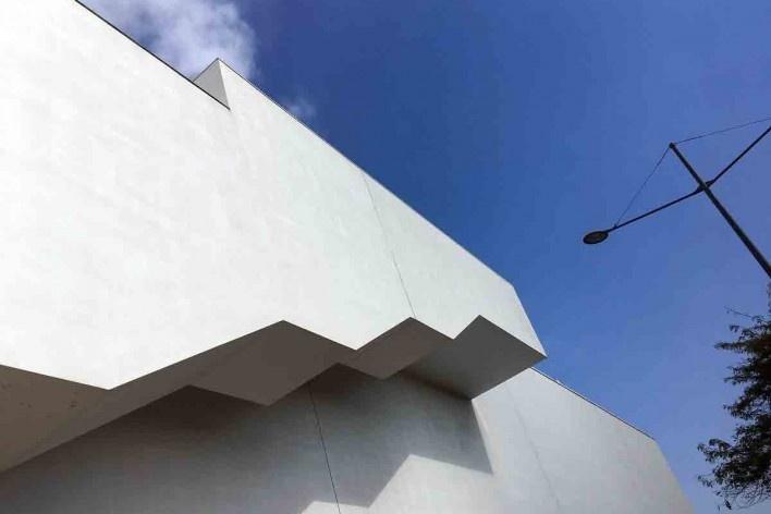 Museu Nacional dos Coches, fachada externa, outubro de 2017<br />Foto Sergio Jatobá