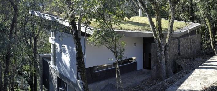 Residência SM (Casa Borboleta), Caxias do Sul RS, arquitetos Fernando dos Santos Rocha Machado e Rovena Maria Schumacher<br />Foto Joel Jordani / Bruno Kriger