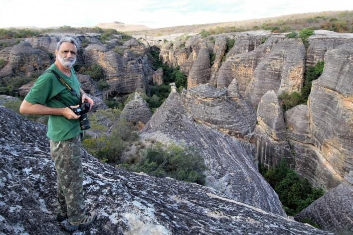 Luiz Cláudio Marigo no Parque Nacional da Serra da Capivara PI<br />Foto José Tabacow