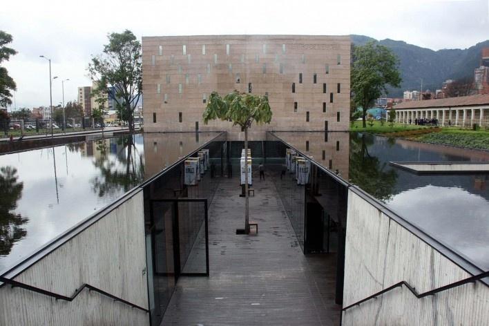 Centro de Memória, Paz y Reconciliación, vista do pateo interno do museu, Bogotá, Colômbia. Arquiteto Juan Pablo Ortiz<br />Foto Bruno Carvalho, ago. 2017