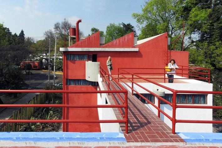 Casas-estúdio de Diego Rivera e Frida Kahlo, teto-jardim e ponte de comunicação, 1931. Arquiteto Juan O'Gorman<br />Foto Victor Hugo Mori