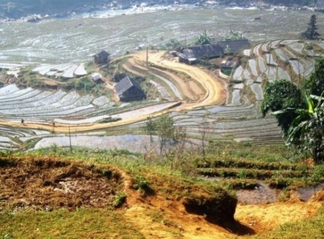 Sapa, vista do Vale Muong Hoa, vida entre água e arroz<br />Foto Lucia Maria Borges de Oliveira