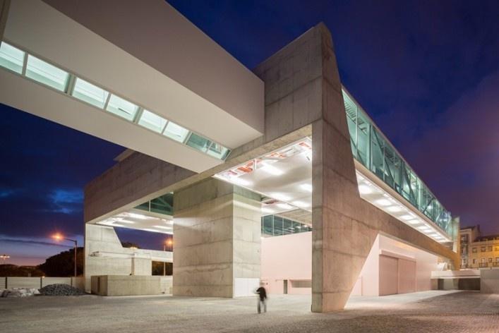 Museu Nacional dos Coches, vista geral do anexo, Lisboa. Arquiteto Paulo Mendes da Rocha, MMBB arquitetos e Bak Gordon arquitetos<br />Foto Fernando Guerra  [FG+SG Architectural Photography]