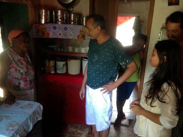 Conversation in the kitchen<br />Foto Fabio Lima