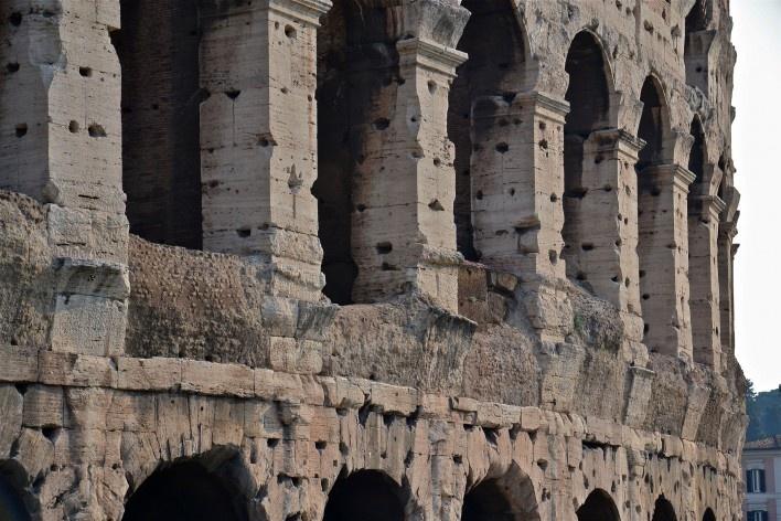 Contrastes, parte do Coliseu<br />Foto Fabio José Martins de Lima