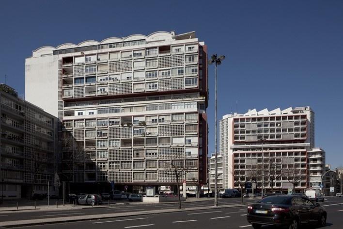 22. Conjunto de 4 edifícios de habitação, Lisboa<br />Foto Eduardo Costa  [Arquivo Portugal: 2011-2012]