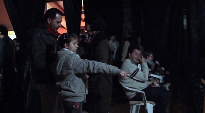 """Plateia chegando para assistir """"#"""", curtametragem de André Farkas e Arthur Guttilla. Move Cine Arte 2012, Monte Verde<br />Foto Helena Guerra"""
