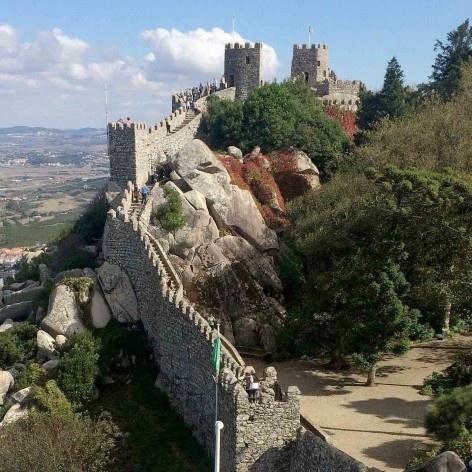 Muralha do Castelo dos Mouros, região de Sintra Foto Anita Di Marco