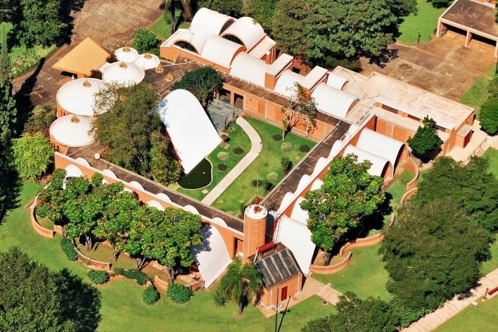 Residência dos Padres Claretianos, Batatais SP Brasil, 1984. Arquitetos Affonso Risi e José Mario Nogueira<br />Foto José Lucas Viccari, 2011
