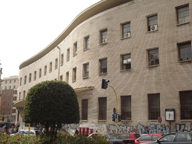 Fachada principal do Palazzo delle Poste, Piazza Bologna, arquitetos Mario Ridolfi e Mario Fagiolo, 1933-35<br />Foto Claudia dos Reis e Cunha
