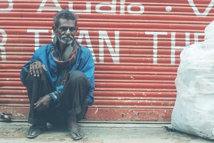 Indiano sentado, Mysore, Índia<br />Foto Fabricio Fernandes