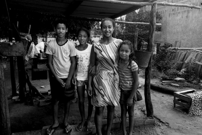 Elisangela e sua família<br />Foto Ana Carolina Brugnera, 2017