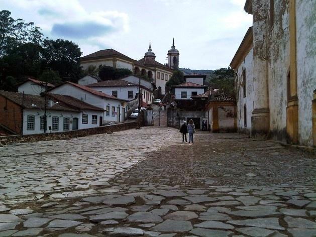Adro de pedra da Igreja Nossa Senhora das Mercês e Perdões (Igreja Mercês de Baixo)<br />Foto Abilio Guerra