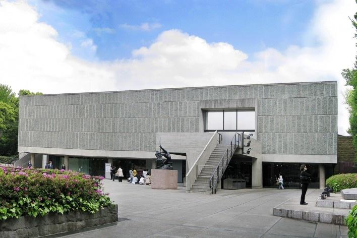 Alexandrina Mori no Museu Le Corbusier, Tóquio, Japão, 2008<br />Foto Victor Hugo Mori
