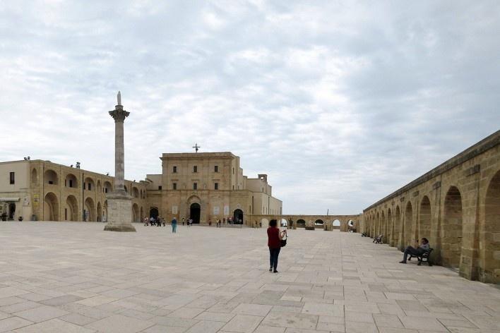 Alexandrina Mori na Basílica Santa Maria di Leuca, Apulia, Itália, 2016<br />Foto Victor Hugo Mori