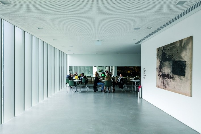 Instituto Ling, Porto Alegre RS Brasil, 2014. Architect Isay Weinfeld (author)<br />Foto / photo Leonardo Finotti