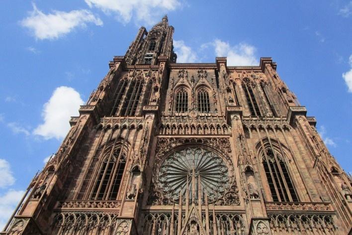 Catedral de Notre-Dame de Estrasburgo, França<br />Fotomontagem Victor Hugo Mori, 2015