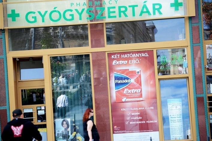 Patrimônio refletido em farmácia<br />Foto Fabio Jose Martins de Lima