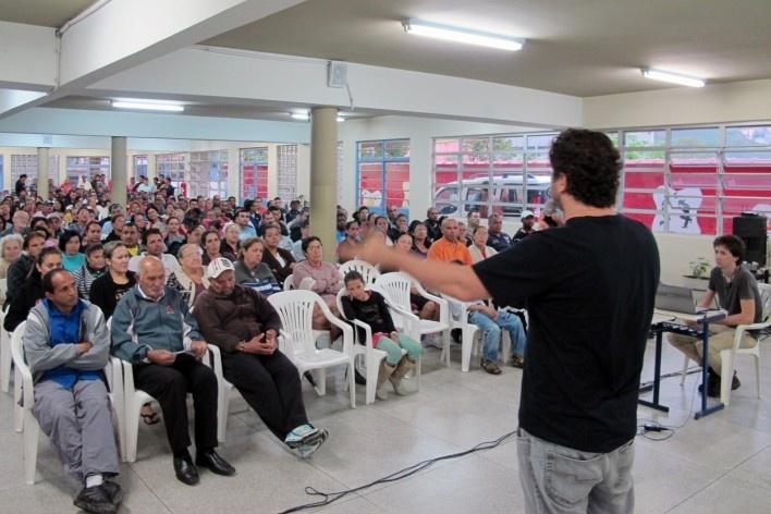 Assembléia participativa. Projeto de Urbanização Integrada<br />Fonte Boldarini Arquitetos Associados