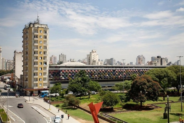 Antiga Rodoviária da Luz, posteriormente convertida em shopping popular, hoje demolida, centro de São Paulo<br />Foto Tuca Vieira