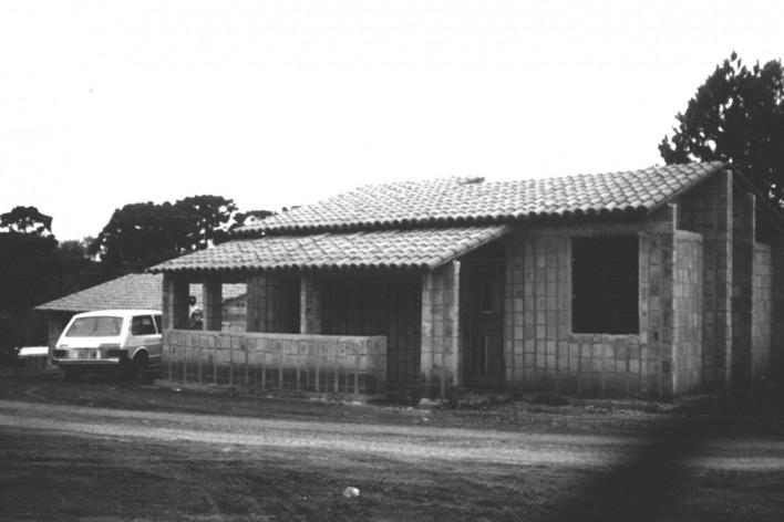 Sequência de obra: residências prontas para acabamento [Acervo Joan Villà]