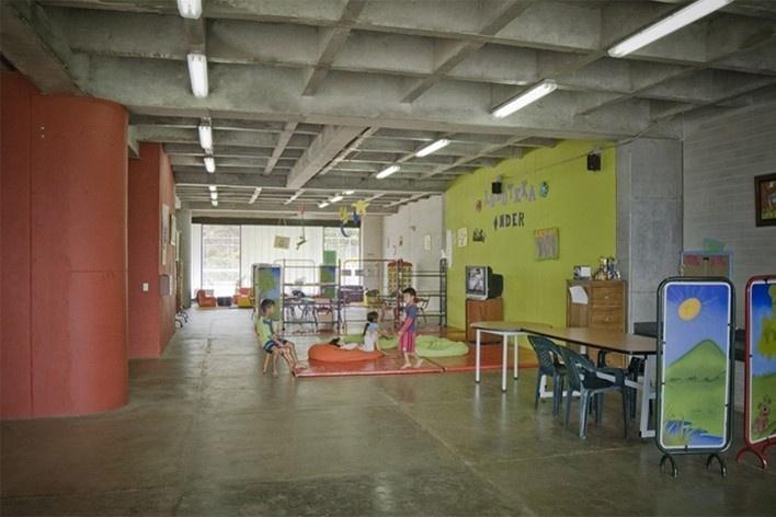 Colegio Santo Domingo Savio. Medellín, Colombia. 2008<br />Foto Sergio Gómez