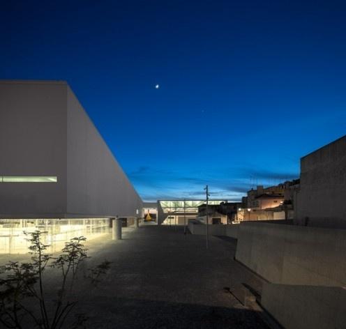 Museu Nacional dos Coches, relação do conjunto com o entorno, Lisboa. Arquiteto Paulo Mendes da Rocha, MMBB arquitetos e Bak Gordon arquitetos<br />Foto Fernando Guerra  [FG+SG Architectural Photography]
