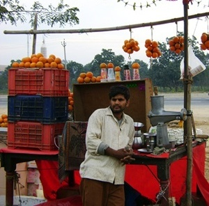 Vendedor de laranjas<br />Foto de Denise Teixeira e Luís Barbieri