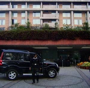 Hotel Taj, com fachada original<br />Foto de Denise Teixeira e Luís Barbieri