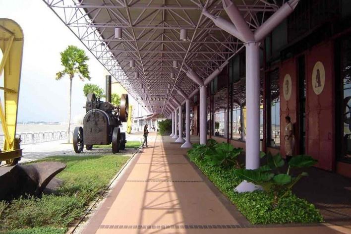 Estação das Docas, Belém, 1996-2000. Paisagismo de Rosa Kliass<br />Foto Giovani Sarquis