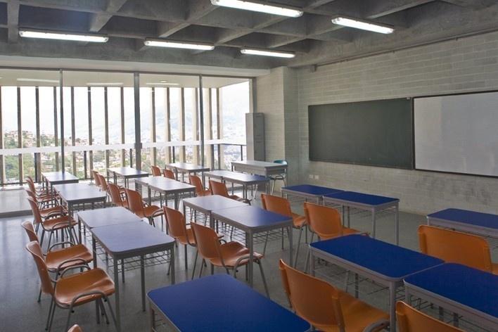 Colegio Santo Domingo Savio. Medellín, Colombia. 2008<br />Foto Carlos Tobón