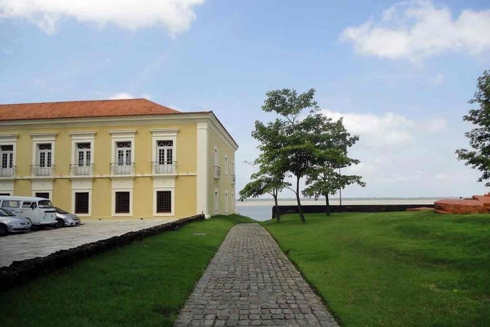 Feliz Luzitânia, Belém, 1996-2000. Paisagismo de Rosa Kliass<br />Foto Giovani Sarquis