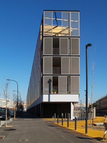 Conjunto Habitacional Fira de Barcelona – L'Hospitalet de Llobregat, balcões de canto, Barcelona 2009. ONL Arquitectura<br />Foto Gianluca Giaccone