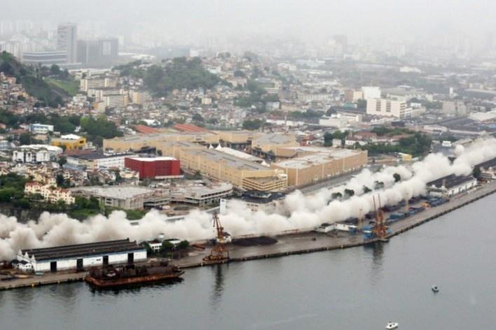 Implosão do Elevado da Perimetral<br />Foto divulgação  [Prefeitura do Rio de Janeiro]