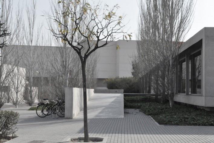 Aulário 3 (unidade de Alicante), San Vicente del Raspeig, Alicante, Espanha, 2000. Arquiteto Javier Garcia-Solera<br />Foto Hevelyn Baer Villar