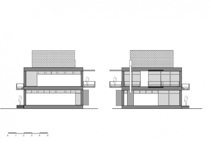 Casa D, elevações norte e sul, Praia Alegre, Penha SC Brasil, 2014. Arquiteto Pablo José Vailatti / PJV Arquitetura<br />Imagem divulgação  [PJV Arquitetura]