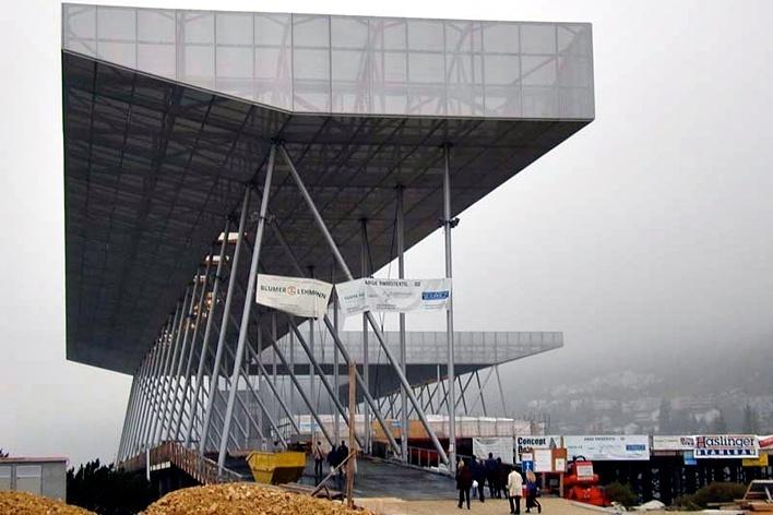 Arteplage de Bienne, construção efêmera para Exposição Nacional Suíça. Coop Himmelb(l)au, 1999-2002<br />Foto Butikofer & de Oliveira Arquitetos